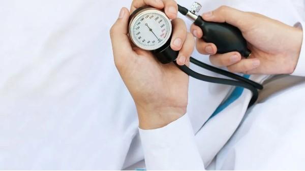 量血压选左手还是右手?记住这4点在家也能测得准