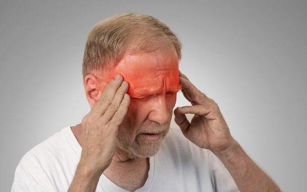 老年高血压患者必须注意动眼神经麻痹问题